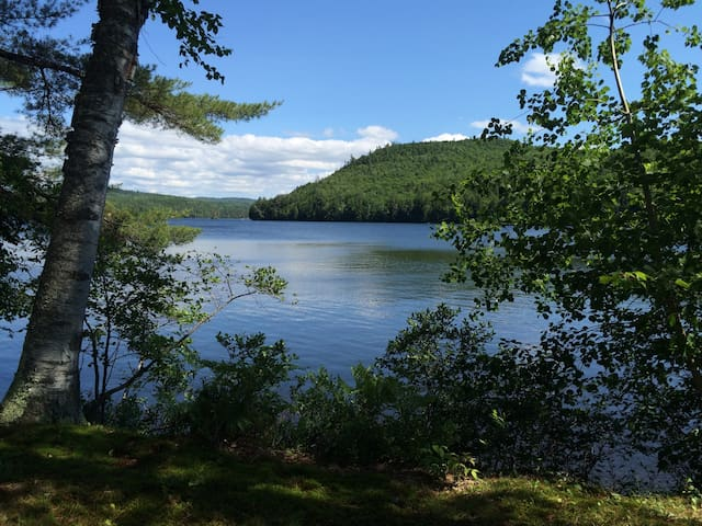 Lakeside cottage, Maine mountains - Woodstock - Huis