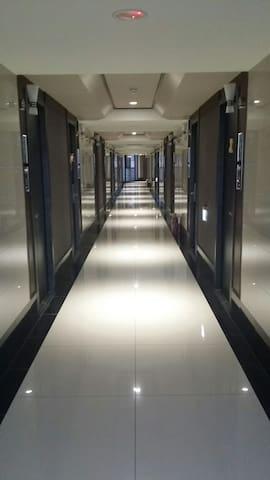 五星級套房  全新大樓 離機場航廈只要10分鐘 三天或長租另有優待 - Taoyuan City