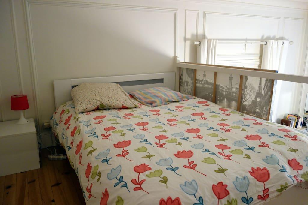 queen size bed (mezzanine)