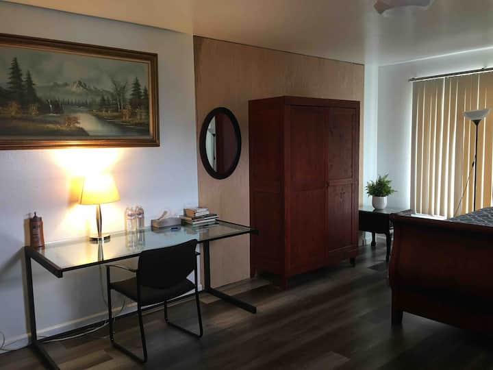 Private Bedroom Near Serramonte Shopping Center