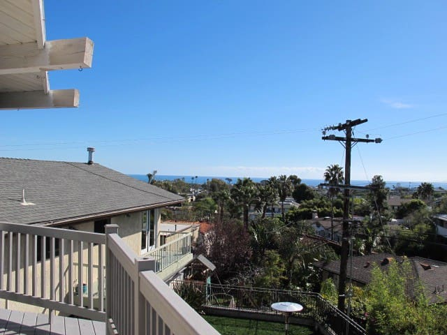 COUPLES RETREAT  OCEAN VIEWS!!   STR19-0978