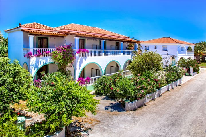 Studios Romantic - Άγιος Σώστης - Apartament