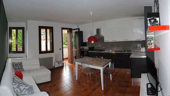 Vittorio Veneto, central apartment, 4 people
