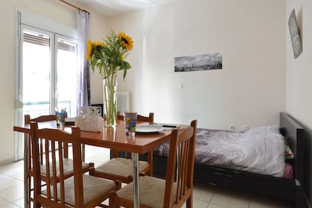 awesome house  5min on foot  from Acropolis 2 - Αθήνα