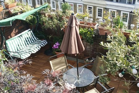 Rooftop terrace apartment paradise - London