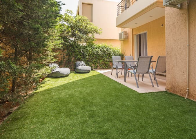 SCORPIO - GLYFADA DELUXE APARTMENT-PRIVATE GARDEN