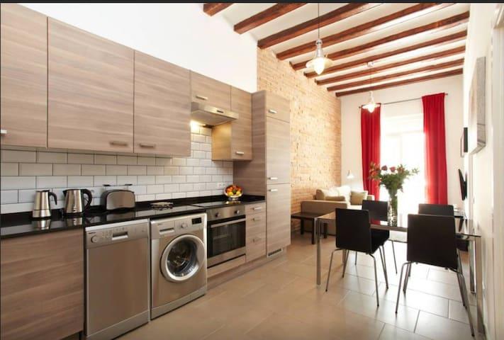 Nice apartment in Poble Sec, Barcelona!