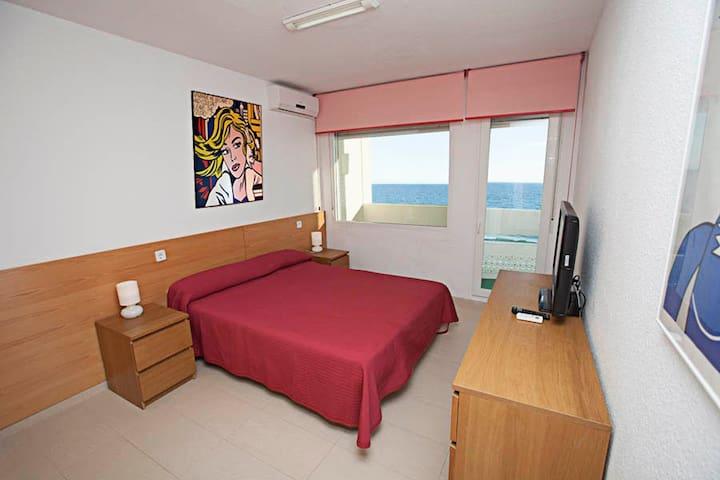 Apartamento primera linea playa con vistas al mar