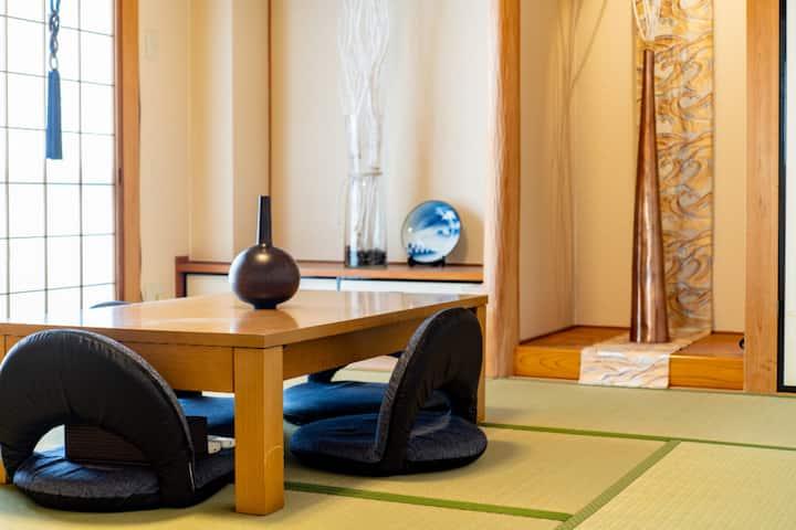 E2 京都河原町高島屋步行街旁128平方米4房有大陽台大客廳可10人一起舒服用餐圍爐聚會喝酒聊天喔