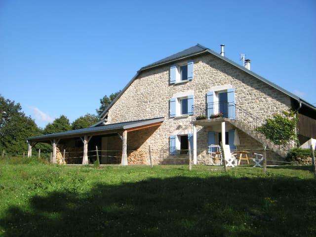 Gîte  au sud du massif du Jura, 5p. - Hauteville-Lompnes - Ház