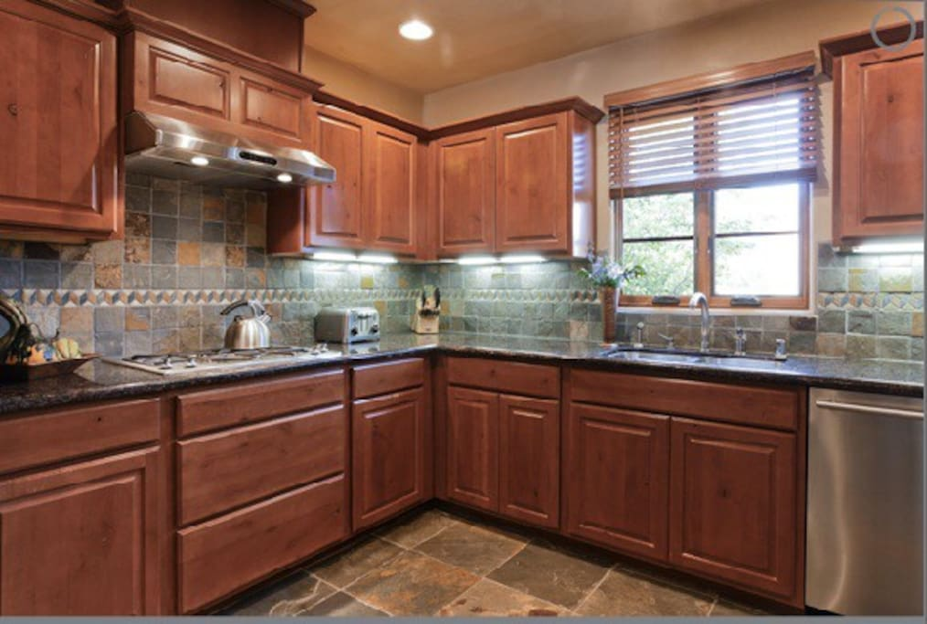Gourmet kitchen - state of the art appliances.
