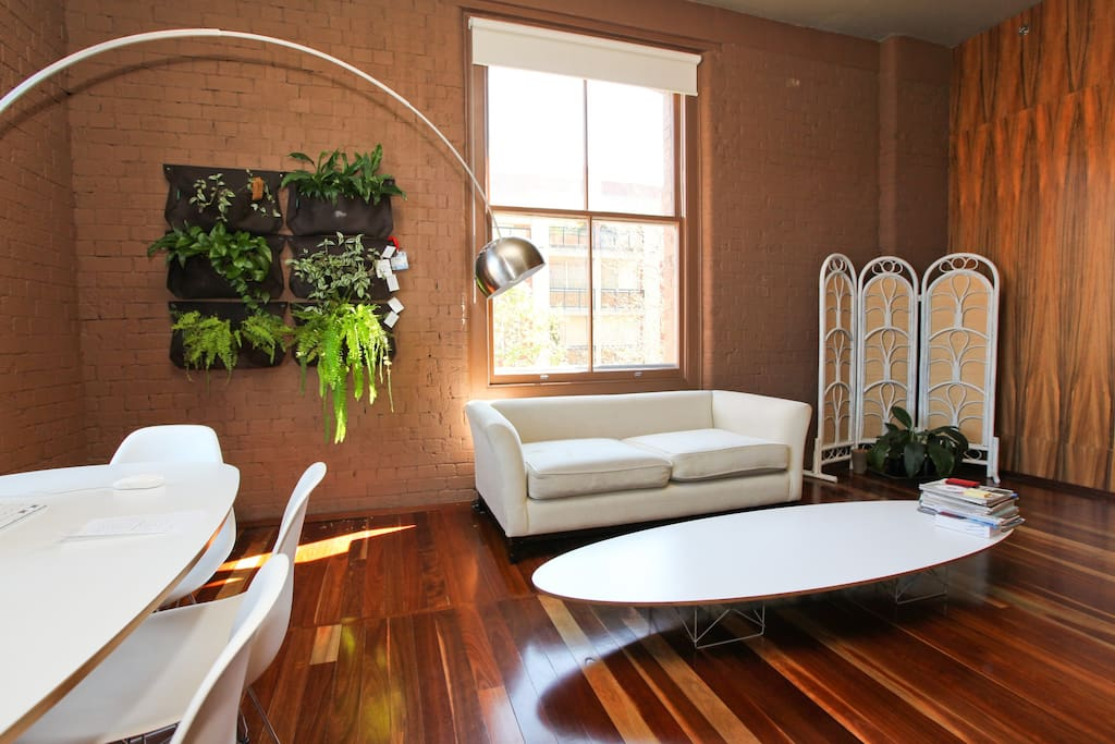 Large and comfortable lounge and dining space