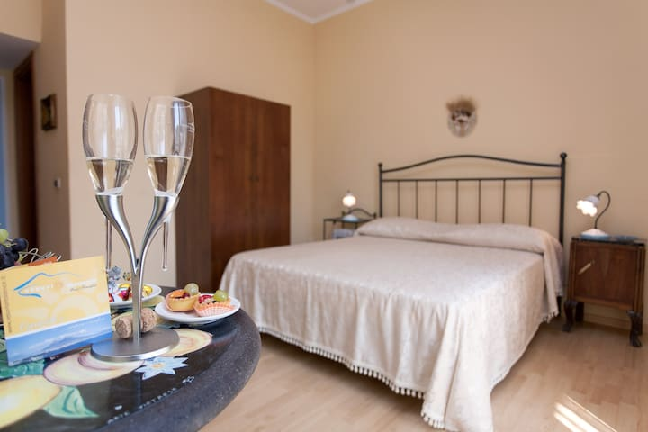 Elegante B&B zona Vesuvio e Pompei  - Striano - Bed & Breakfast