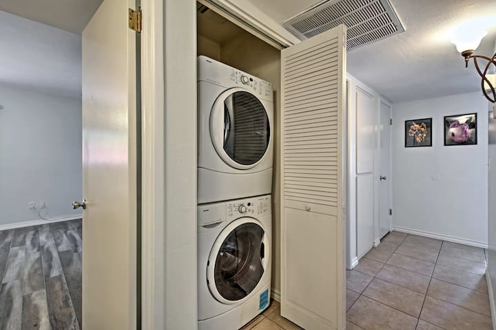 Use these convenient in-unit laundry machines.