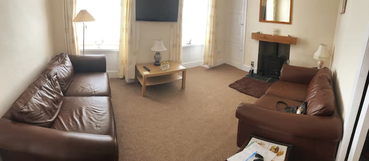 Sea View House. Pet Friendly. Isle of Whithorn.