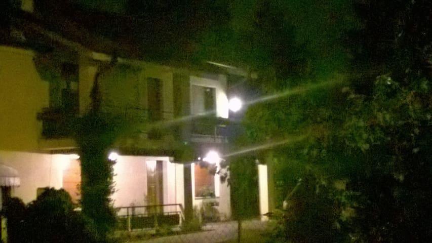 Casa con ampio giardino - Preganziol - House