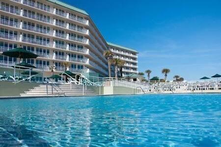 Ormond Beach oceanfront corner unit - Ormond Beach - Condominium
