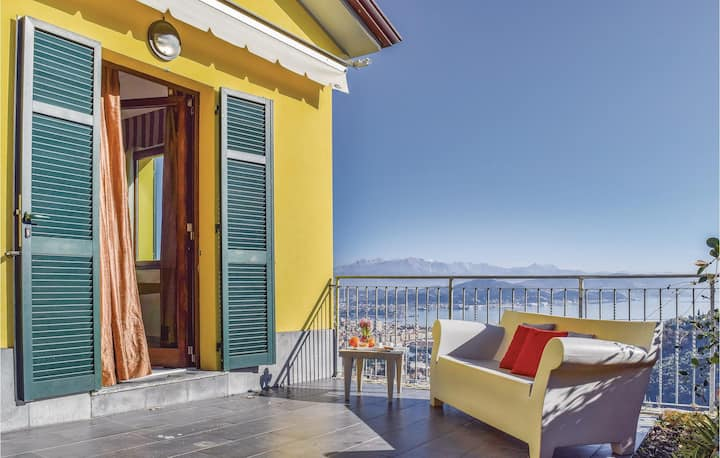 Awesome home in La Spezia (SP) with WiFi and 7 Bedrooms