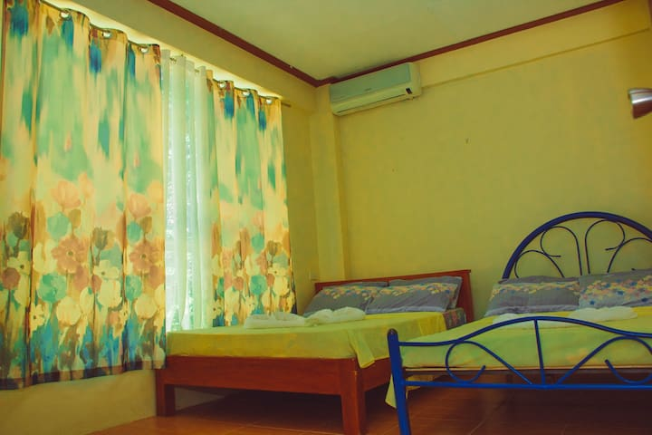 Kak N Tot Family Room 2 Vigan City