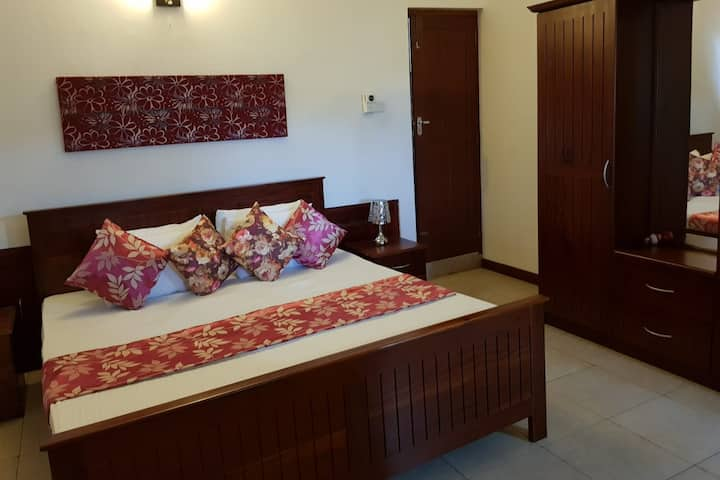 A Luxury double bed room