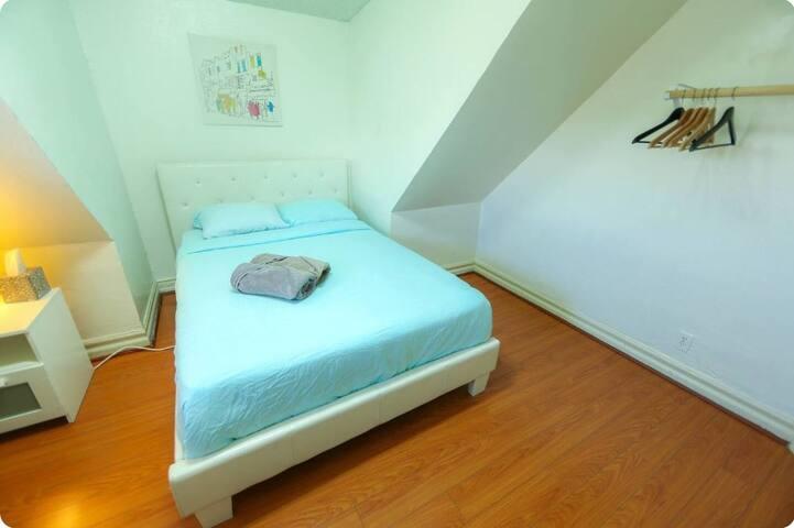 Mansard Room KoreaTown LA