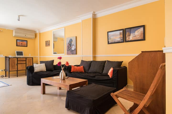 Sunny 3-Bedroom Escape Cairo: Maadi