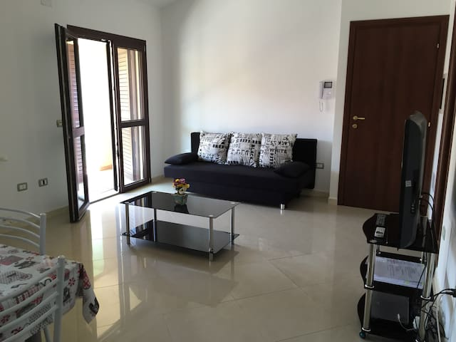 Bright apartment with wifi. - Ploaghe - Daire