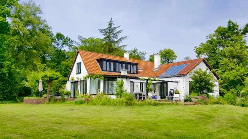Landhuis het Woud. max. 12 p. with private pool - BERGEN - Villa