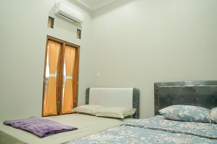 M Stay Jogja Shared Bathroom For 4 Person #1