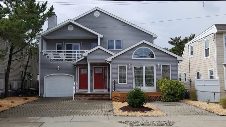 Quiet Family Beach Home-100 yards from beach