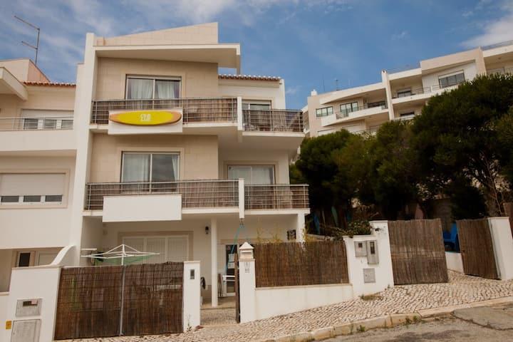 Villa: Ericeira Chill Hill Hostel & Private Rooms