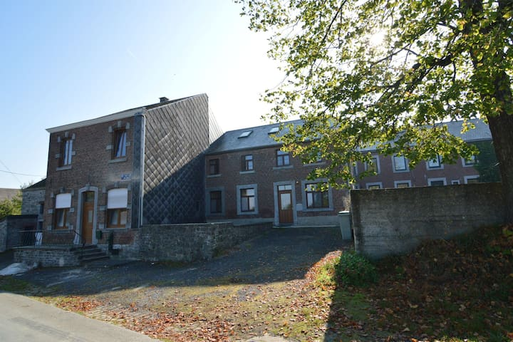 Country house for lovers of walks and reading by the fire, in the area of Durbuy