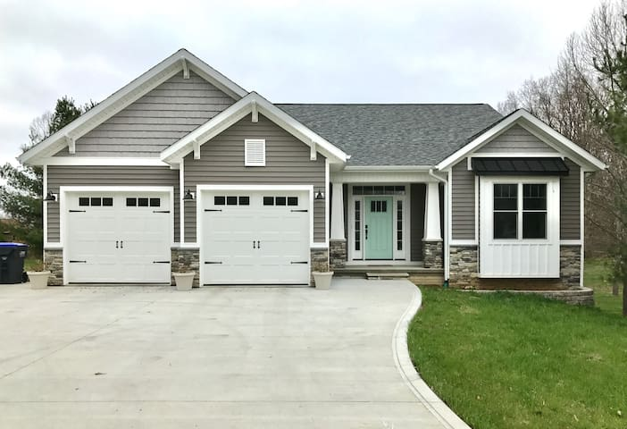 Gorgeous new Craftsman 3-Bedroom