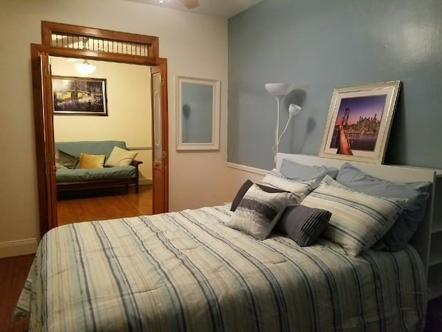 Great location,near nyc airports,subway &airtrain