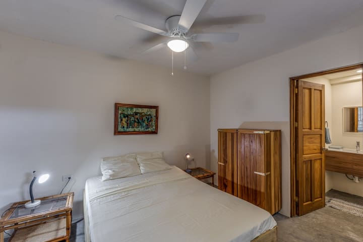Cosy Studio central guiones close to cafes & beach