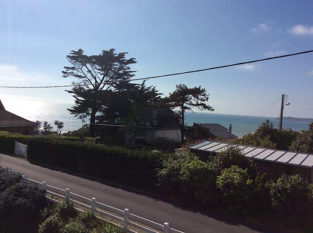 Appartement T2 au calme, plage et commerces à pied