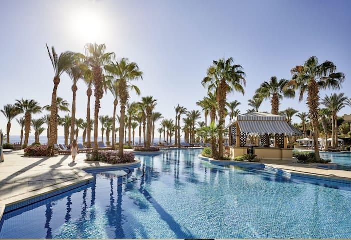Elegant Sea View Apartment in a Luxury Resort