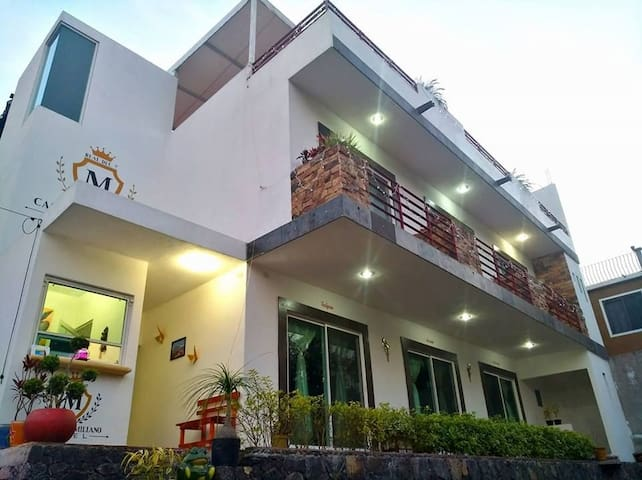 Hotel Casa Maximiliano, Habitación Azucena