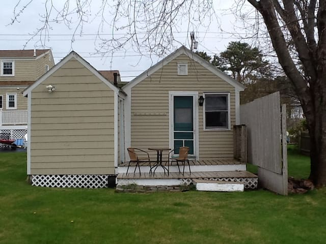 Cabin w/ deck, minute walk to beach, 2miles fr OOB - Scarborough - Cabane