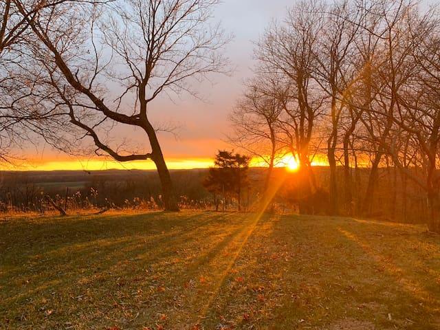 Hermann Ridge Farmhouse - Views for miles