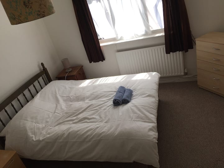 Double Room (Large) - Parking Included