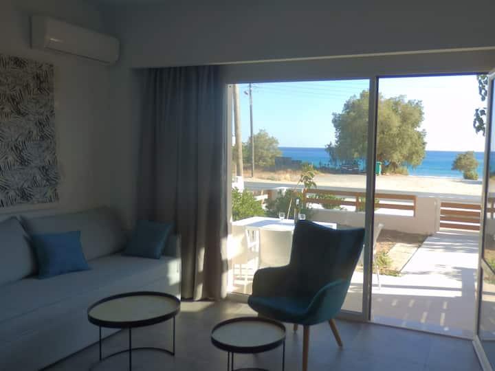 Ierapetra, House by the sea (Votsalo Blue)