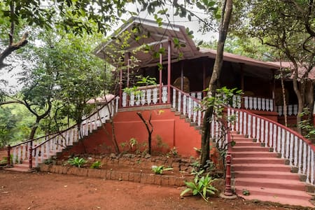 Parsi Manor, Standard Rooms in Matheran - Matheran - Бунгало
