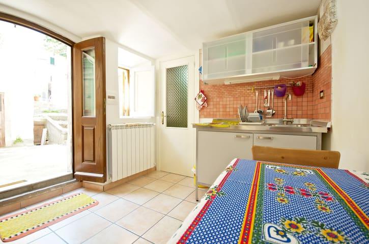 Chicca accogliente e particolare - Calascio - Apartment