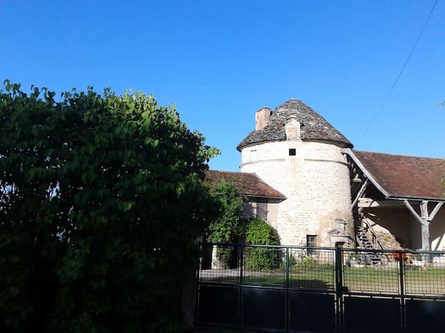 """Gîte Belle Vue - """" Le Pigeonnier"""" - Fain-lès-Moutiers - Hus"""