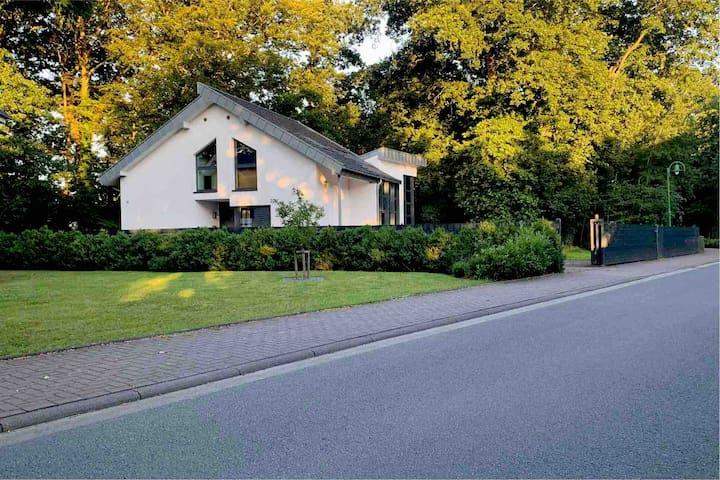 Tolles Haus mit Sauna und einem Großen Garten