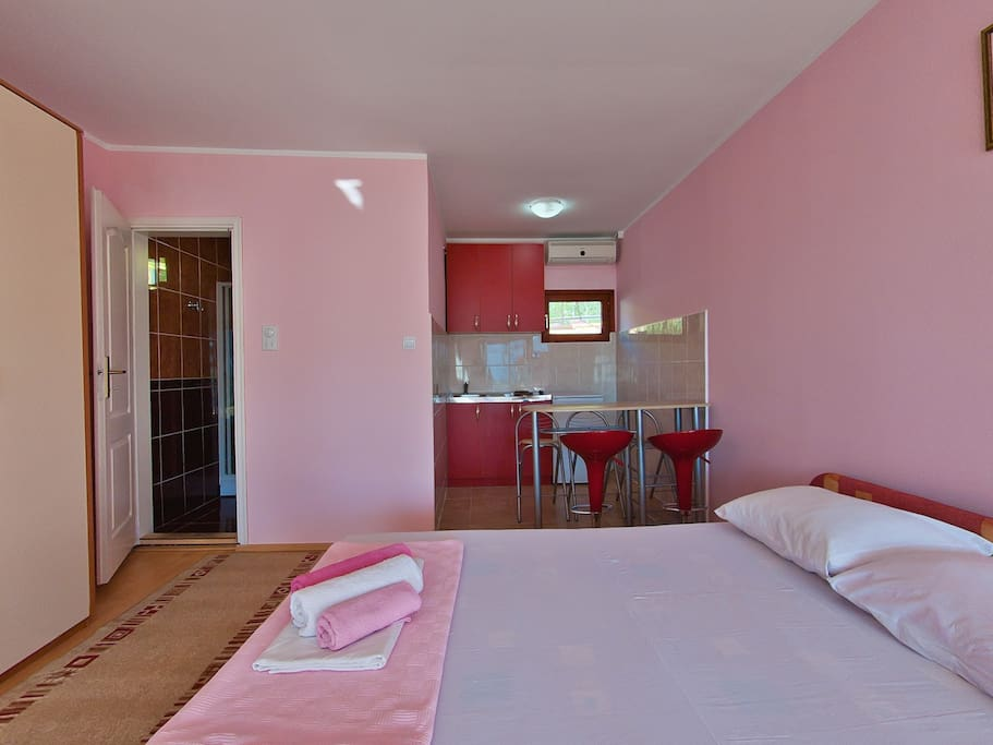 Comfort Studio Apartment  No. 2,   with terrace and panoramic view on the sea