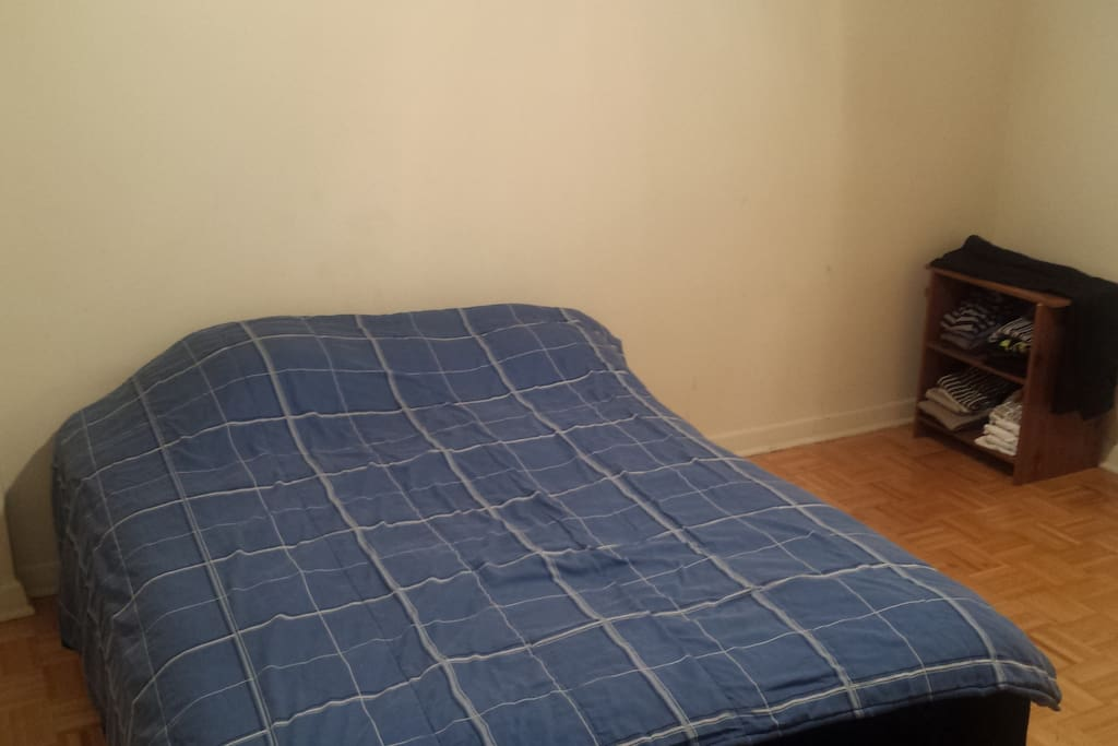 Queen size bed with A/C in room!