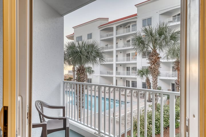 Beach side condo w/Gulf views, shared outdoor pool, & gym -snowbird-friendly!