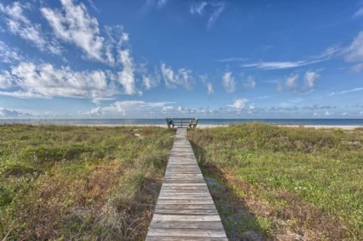 Gulf Front, Quiet Beach, Triplex, Indian Pass ~ Pelican Landing 3